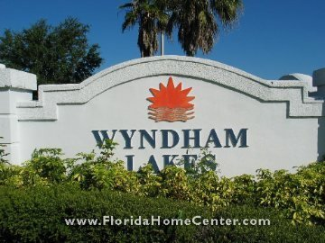 Wyndham Lakes sign
